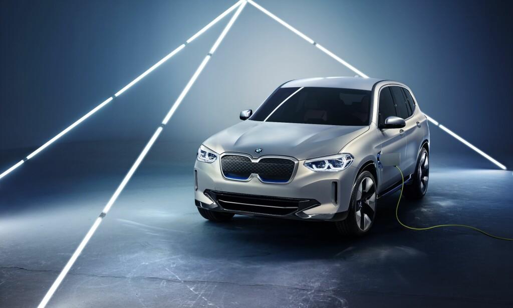 VELKJENT: Fronten er noe annerledes enn på vanlige X3, men at det er en BMW-SUV, kan det ikke herske tvil om. Foto: BMW