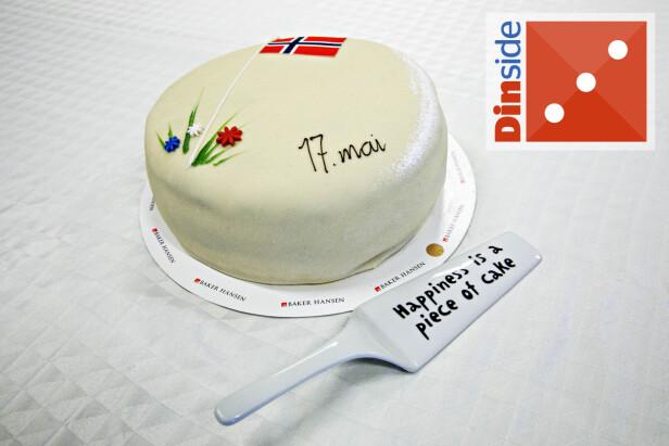 NESTEN UBRUKELIG: Kakespaden fra danske TGR er ikke skarp nok og har en rar tykkelse, som gir rare kakestykker på asjetten. Konditor Kjelsaas er, imidlertid, enig i ordtaket den er pyntet med. Foto: Nina Hansen.
