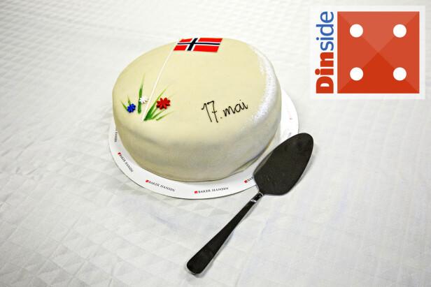MIDT PÅ TREET: Coops kakespade har sine svakheter, men fungerer helt greit til 17. mai-kakene. Foto: Nina Hansen.