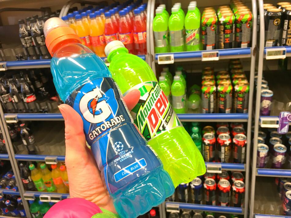PANTE SVENSKE FLASKER I NORGE: Joda, du kan pante svenske brusflasker i Norge - men det gjelder kun noen få produkter. Gatorade, Mountain Dew, Powerade og 7Up er noen slike produkter. Foto: Kristin Sørdal