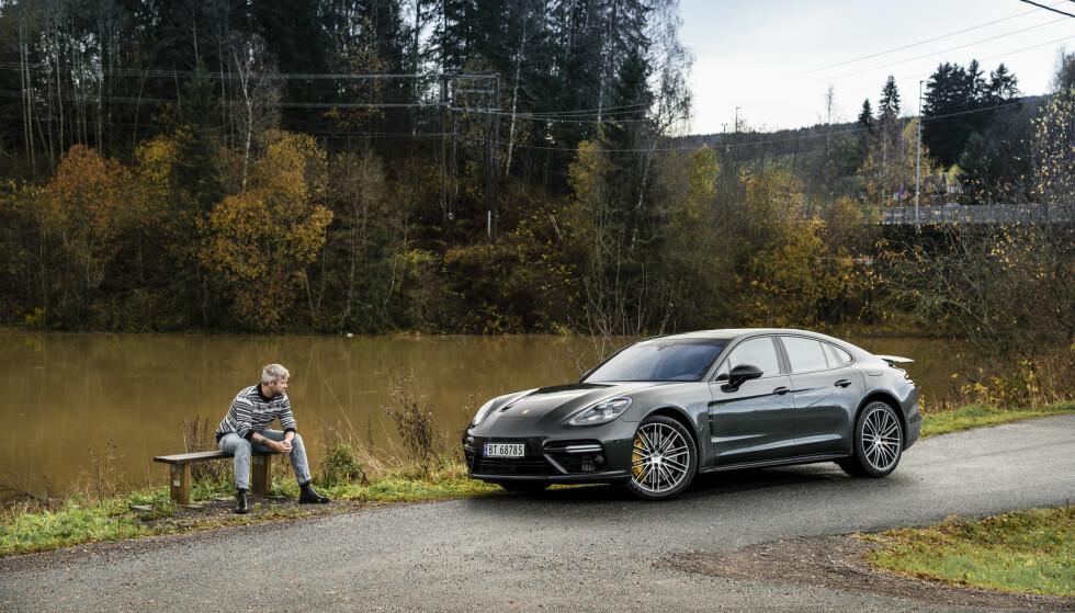 VERDENS BESTE INTERIØR? Porsche Panamera Turbo S E-Hybrid imponerte Dinside, da vi testet den i høst. Nå er den på Wards Autos liste over siste års beste bilinteriør. Foto: Jamieson Pothecary