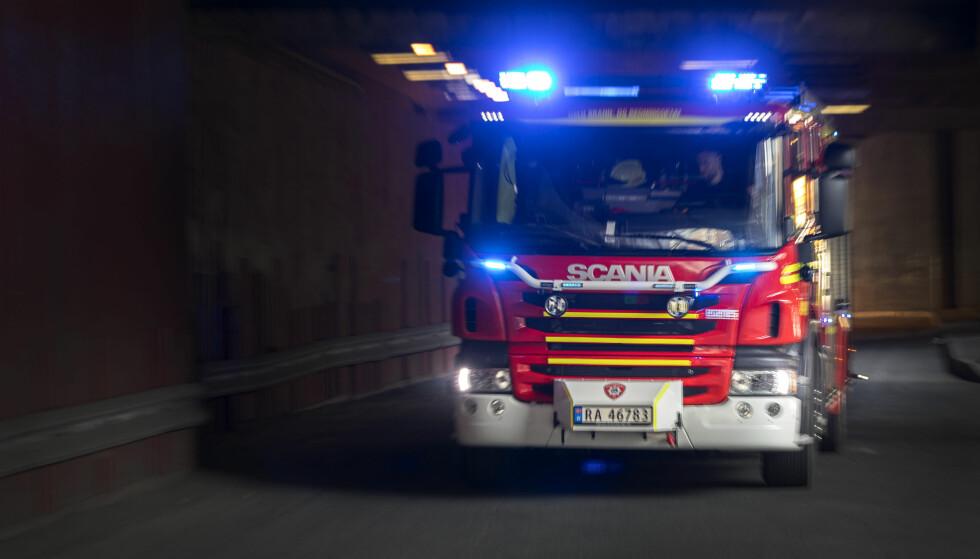 ELSYKKEL I BRANN: Leiligheten er totalt utbrent etter noe politiet antar er en brann som startet i en elsykkel som ble oppbevart i leiligheten. Foto: Gorm Kallestad/NTB scanpix