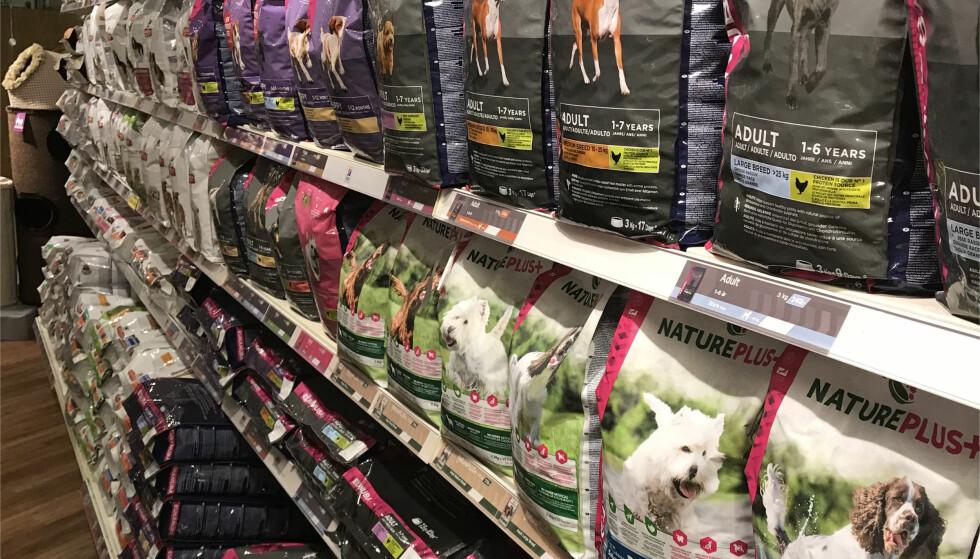 BILLIGERE? Bør man kjøpe dyrematen i Sverige i stedet for i Norge? Foto: Christina Honningsvåg