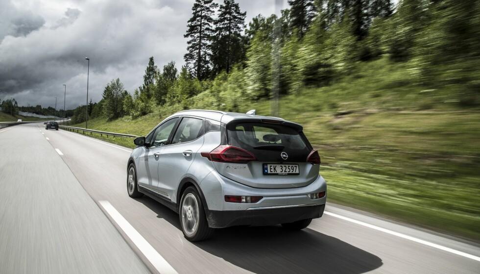 SLITER FORTSATT: Opel har kun levert 173 eksemplarer av elbilen Ampera-e til nå i 2018. Foto: Jamieson Pothecary