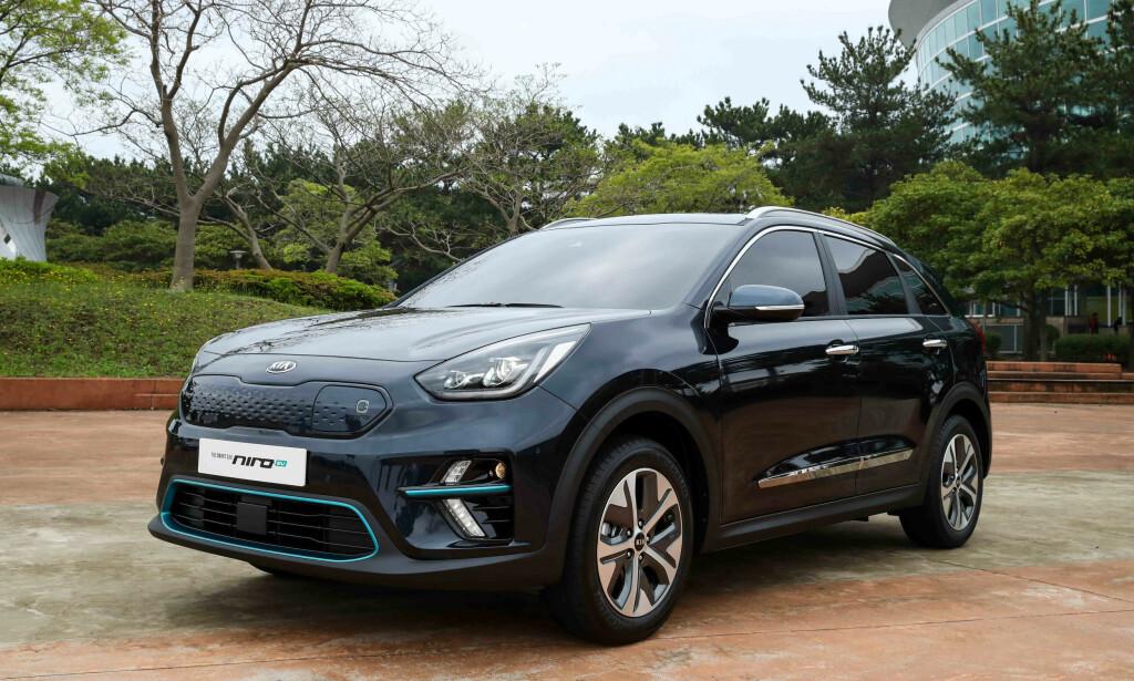 ÅRETS BIL 2019? Rekordmange el- og hydrogenbiler er nominert til å bli Årets Bil i verden. Kia Niro Electric er én av tre rene elbiler som kan stikke av med prisen i 2019. Foto: Kia