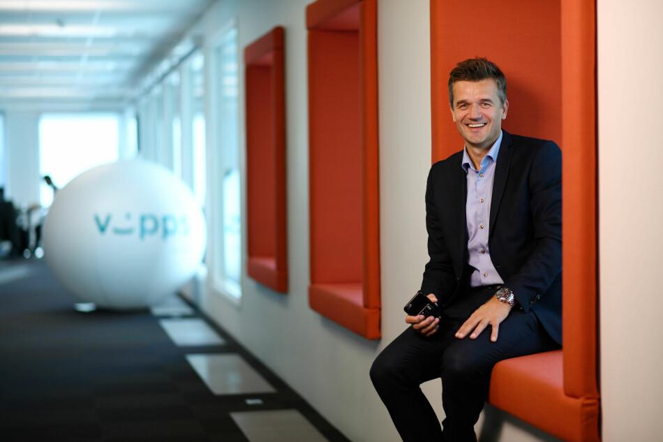 YPPER MED APPLE: Vipps-sjef Rune Garborg er ikke overrasket over at Apple Pay kommer til Norge. Men han vil at nordmenn heller skal betale i butikk med Vipps, og mener han vet hvordan han skal klare det. Foto: DNB