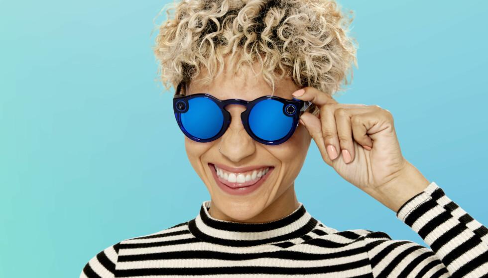 NYE BRILLER: Snapchat lanserer nye solbriller med innebygd kamera. Foto: Snap Inc.