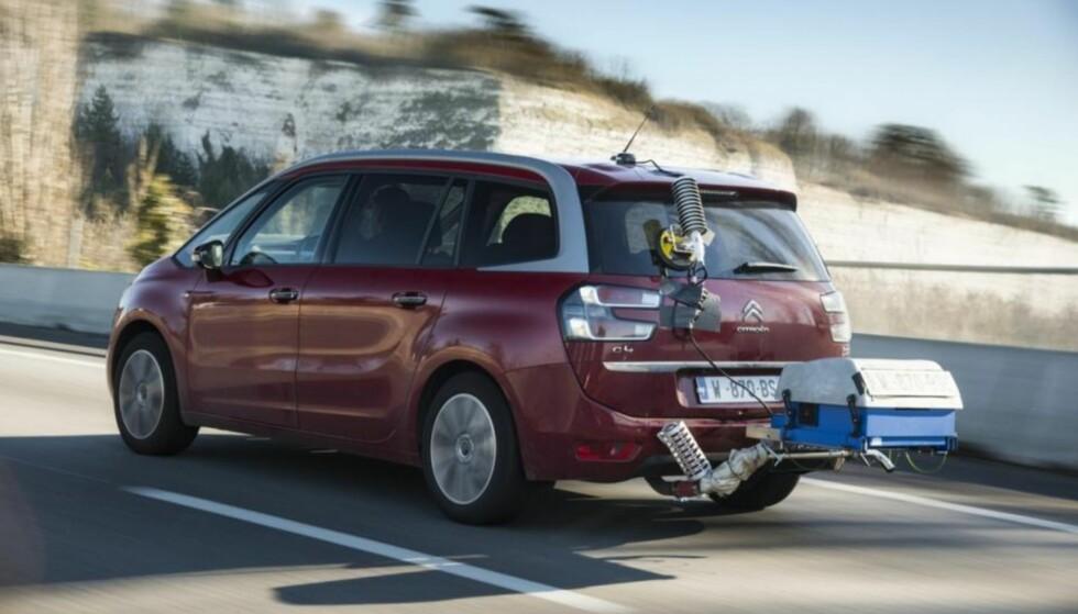 VANSKELIG Å JUKSE: Med den nye WLTP-testmetoden, der blant annet forbruket kontrollmåles med kjøring på veien, blir det vanskeligere å jukse seg til lavt forbruk og CO2-utslipp. Foto: Citroën