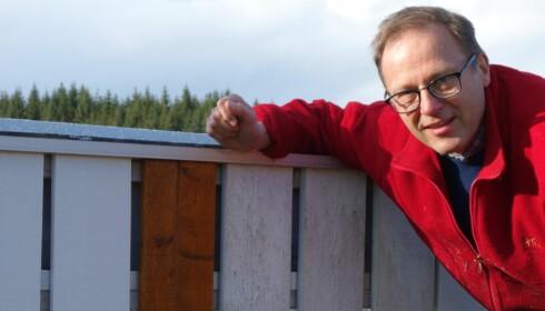 EKSPERT: Stefan Hjort er sivilingeniør ved Chalmers i Göteborg og er ekstern prosjektleder for Folksams malingstester. Foto: Folksam