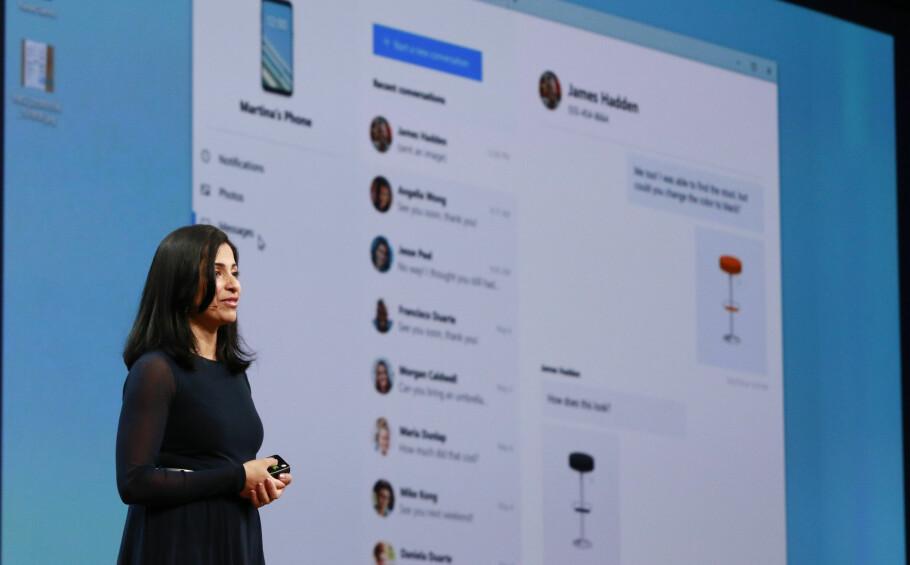 <strong>KJEKK NY APP:</strong> På sin utviklerkonferanse viste Microsofts Shilpa Ranganathan frem selskapets nye app, som gir deg tilgang til mobilen fra PC-en. Foto: Microsoft