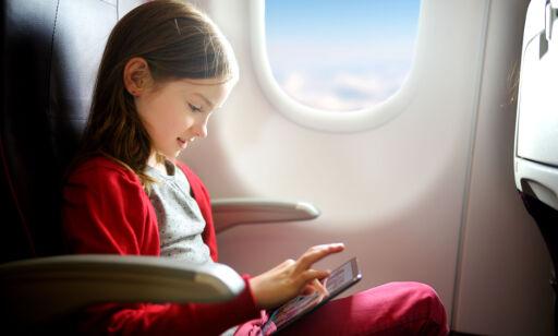 image: 6 ting du bør vite om barnet ditt skal fly alene