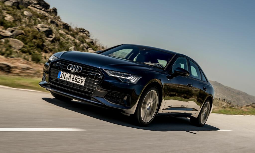 AUTOBAHN-CRUISER: Nye A6 er en deilig bil å kjøre og kan nå til og med fås med firehjulsstyring. Men direkte inspirerende vil vi ikke kalle kjøreegenskapene. Foto: Klaus Stark