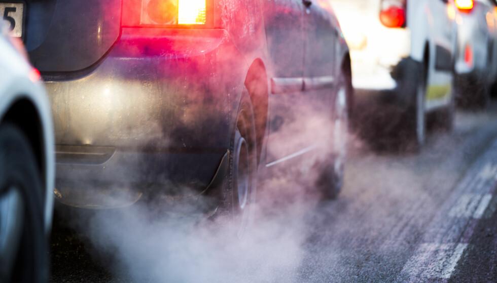 PEST ELLER KOLERA: Bør vi tillate høyere utslipp av CO2 eller NOx? Foto: NTB Scanpix