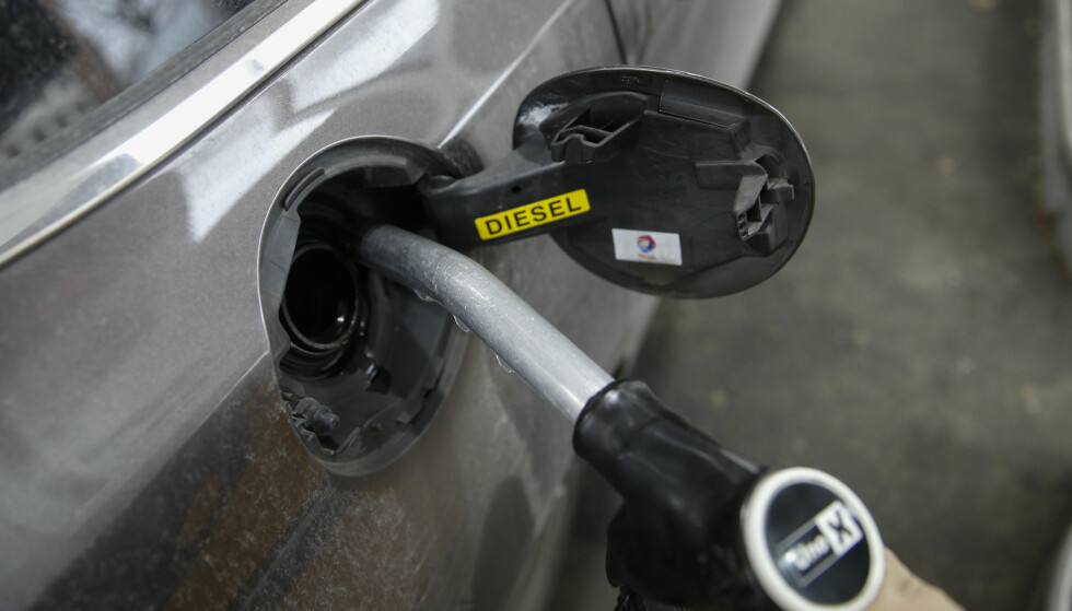 SNART AVLIVET: Diesel har synkende andel i markedet, og nå kutter flere produsenter diesel som alternativ. Foto: NTB Scanpix