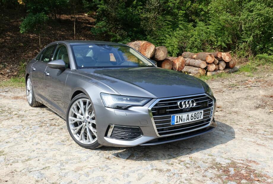 SKARPSYNT: Nye Audi A6 overrasker ingen med sin umiddelbart gjenkjennelige front og tradisjonelle, men subtilt videreutviklede, linjeføring. Foto: Knut Moberg