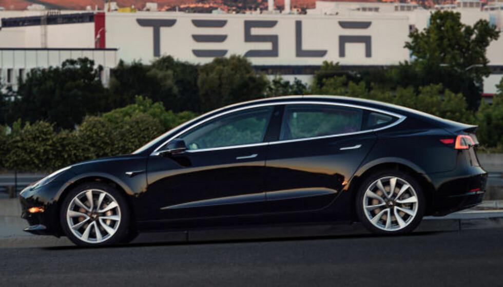 INNTJENING: Mange tror Tesla snart vil begynne å levere positive tall, samtidig som Elon Musk vil ta selskapet av børs. Foto: Tesla