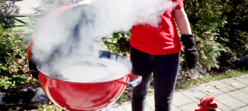 Slik får du røyksmak på grillmaten