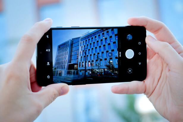 ENKEL FOTOAPP: OnePlus 6 har en enkel app for å ta bilder, men også muligheter for å styre alt fra fokus til eksponering manuelt om du heller ønsker det. Foto: Ole Petter Baugerød Stokke