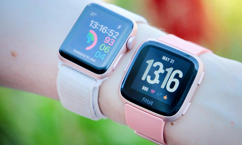 SETT DET FØR: Fitbit Versa er ikke prikk lik Apple Watch, men det er ikke mye om å gjøre. Foto: Ole Petter Baugerød Stokke