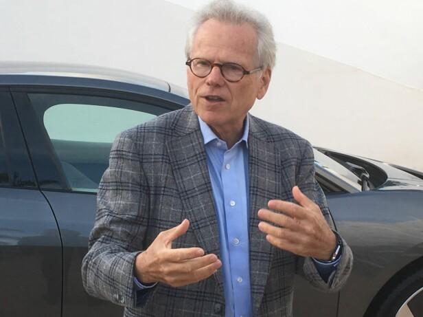 IVRIG OG FORNØYD: Dr Wolfgang Ziebart har vært sjef for utviklingsteamet bak I-Pace. Han er ikke rent lite stolt av å ha kommet først på markedet med en premium-elbil fra en etablert produsent. Foto: Knut Moberg