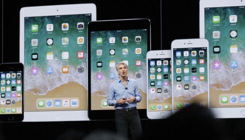 DOBLER INNSATSEN: Apples programvare-sjef Craig Federighi sa at selskapet dobler innsatsen hva gjelder ytelse i iOS 12. Hva det innebærer i praksis, gjenstår dog å se. (AP Photo/Marcio Jose Sanchez)
