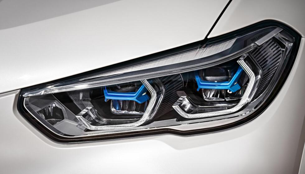 LED-STANDARD: Det finnes ikke ei lyspære i nye X5. Foto: BMW