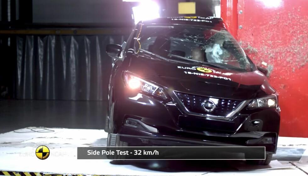 TRYGGERE? Ifølge en ny rapport blir biler på norske veier 4,2 prosent sikrere for hvert år som går. Dagens krasjtester hos Euro NCAP, gir stort sett full pott (5/5 stjerner) til bilmodellene - også elbilen Nissan Leaf. Skjermdump: Euro NCAP