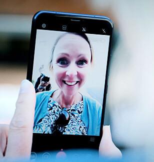 HJELP: Slik ser ikke kollegaen min ut. Men slik ser hun ut når hun peiser på med Asus Zenfone 5 sine filtre for «skjønnhet». Foto: Ole Petter Baugerød Stokke