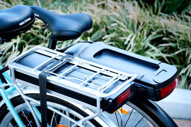 MED OG UTEN BAGASJEBRETT: Biltema (foran) har bagasjebrett, som kan være praktisk. Foto: Ole Petter Baugerød Stokke