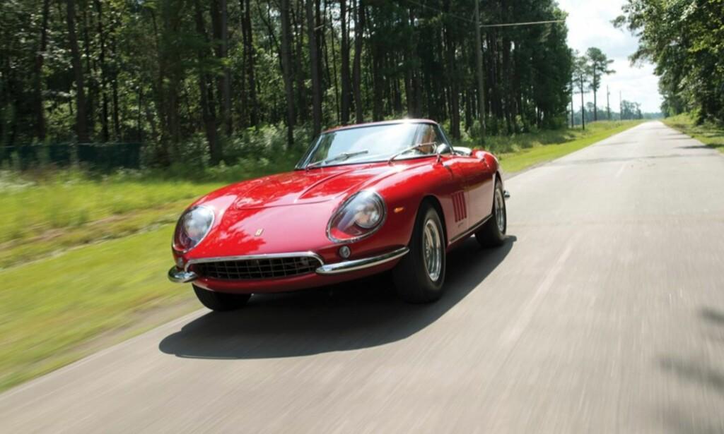 5. PLASS: Ferrari 275 GTB/4 S NART Spider kostet kjøperen 27,5 millioner dollar i 2013. Foto: RM Sotheby´s