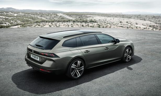 STASJONSVOGN: Stasjonsvogn-utgaven vises på Paris-utstillingen i høst og kommer til Norge tidlig i 2019. Dette blir bestselgeren – ikke minst når den får ladbart hybriddrivverk. Illustrasjon: Peugeot