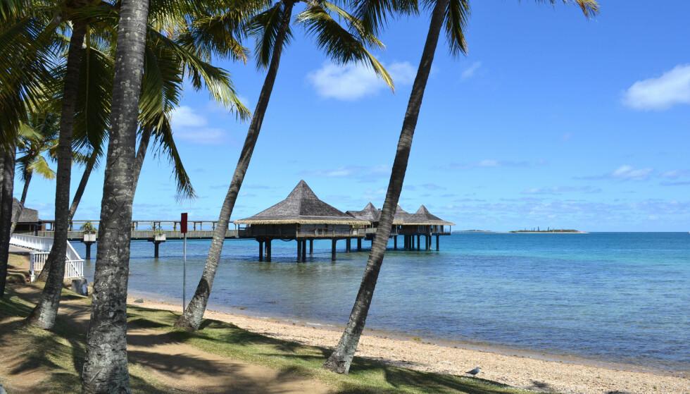 HØY PRIS: For rundt 741 kroner kan du oppleve Anse Vata-stranden på Ny-Caledonia. Foto: Shutterstock/NTB Scanpix.