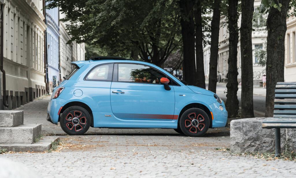 FIAT 500E: Fiat hadde egentlig ikke lyst til å selge designerbilen. Foto: Jamieson Pothecary
