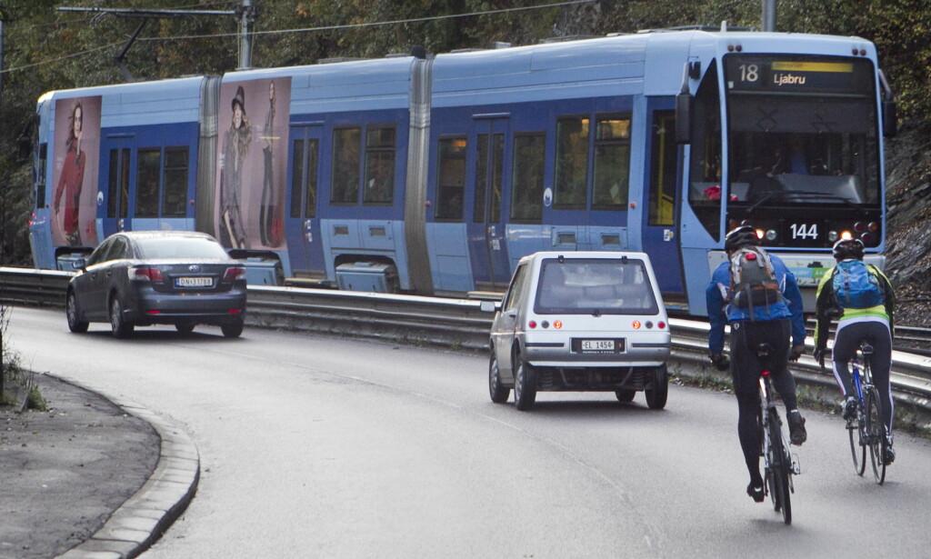 BILISTENE VERST: Det er mest aggresjon mot bilistene. Ikke bare blant syklister og gående, men fra bilister selv også. Foto: Heiko Junge/Scanpix