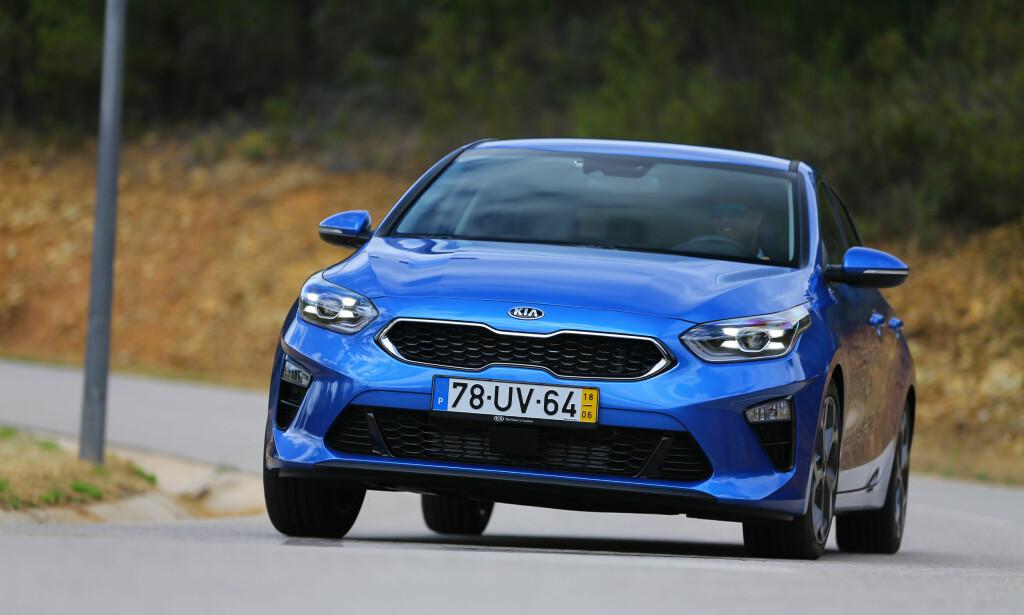 EUROPEISK: Kjøreegenskapene er merkbart oppgradert og matcher nå VW Golf. Det merkes at det meste av bilen er utviklet i Europa. Foto: Kia