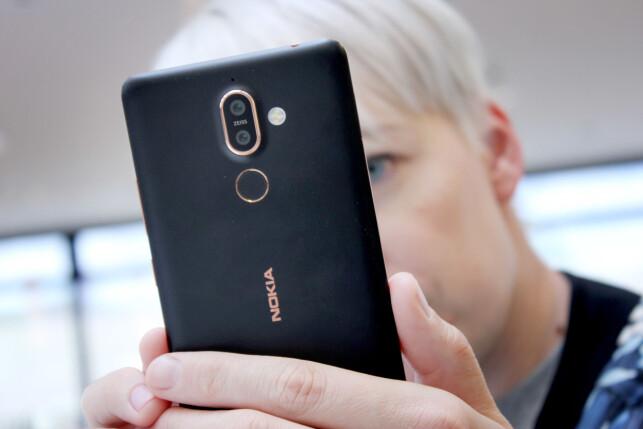 HYGGELIG GJENSYN: Vi liker at Nokia-navnet er tilbake, og Nokia 7 Plus har mange gode kvaliteter. Dessverre er konkurransen for hard. Foto: Ole Petter Baugerød Stokke
