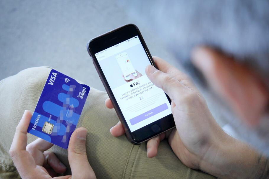 KOM I GANG: Har du Nordea- eller Santander-kort kan du bruke Apple Pay i Norge allerede i dag. Foto: Ole Petter Baugerød Stokke