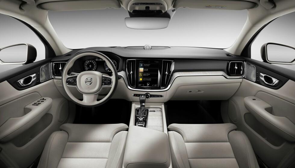 UENDRET: Nyere Volvo-kunder vil umiddelbart kjenne seg igjen inne i nye S60. Foto: Volvo