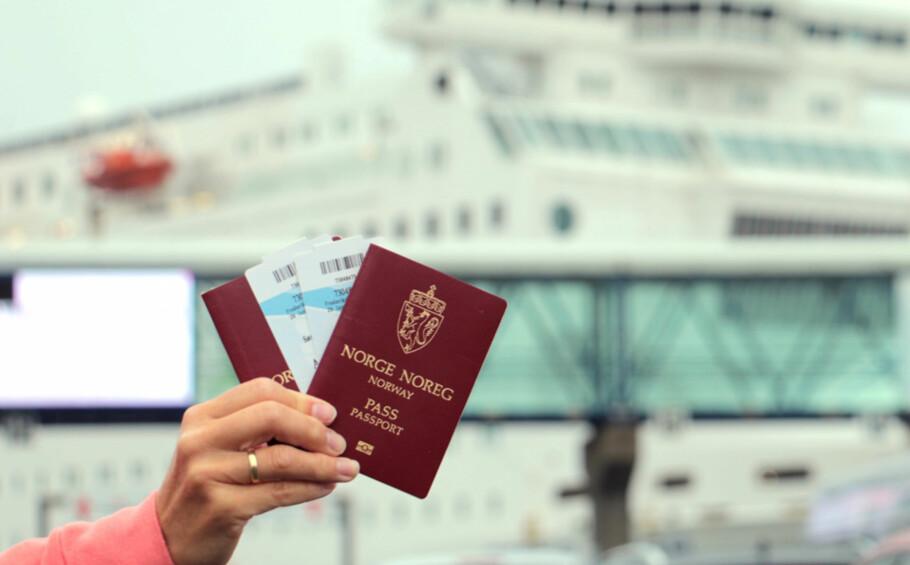 HUSK PASS: Schengen til tross, den midlertidige grensekontrollen gjør at pass er påkrevd på ferger til og fra Norge. Foto: Berit B. Njarga