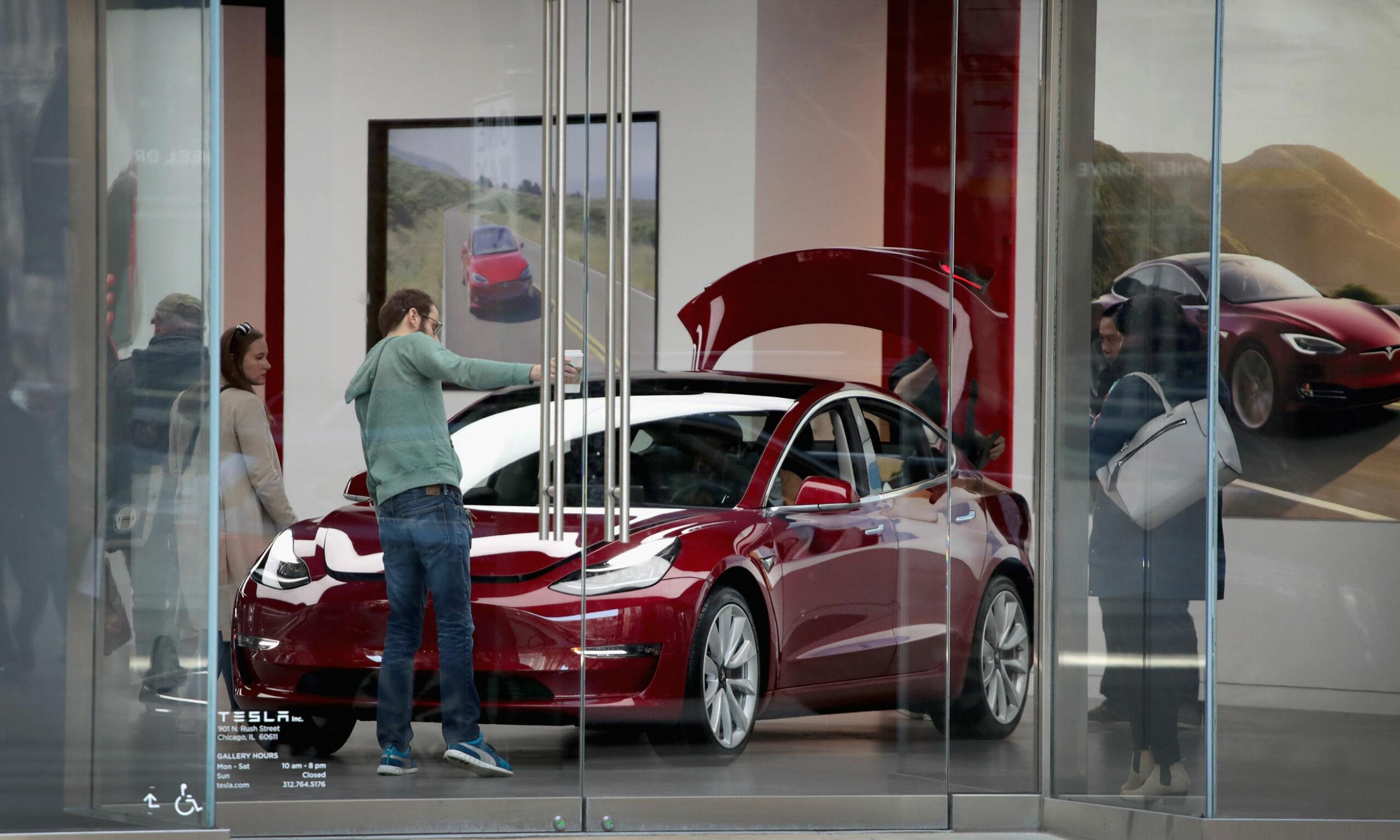 image: - Om ikke Elon Musk bestemte, kunne Tesla vært mye mer lønnsomme
