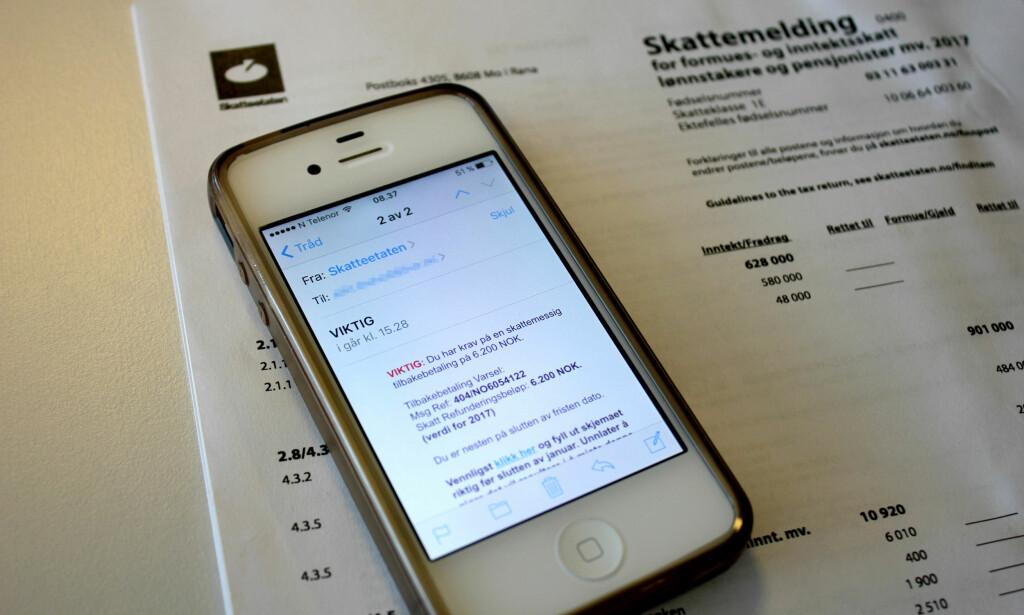 E-POST-SVINDEL: Slik ser e-posten som ble sendt ut fra «Skatteetaten» i går. Det er flere ting som kan avsløre svindelen: Skatteetaten, altså den ekte, sender aldri ut e-post og sms med lenker og språklige feil som «du er nesten på slutten av fristen dato», er noen eksempler. Foto: Eilin Lindvoll.