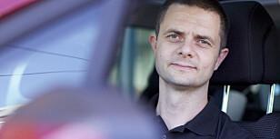 GJØR DET SELV: – Flere vanlige årsaker til trøbbel i bilferien kan du forebygger enkelt selv, sier Nils Sødal, fungerende kommunikasjonssjef i NAF. Foto NAF