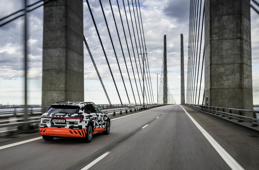 The Audi e-tron prototype on the resund Bridge