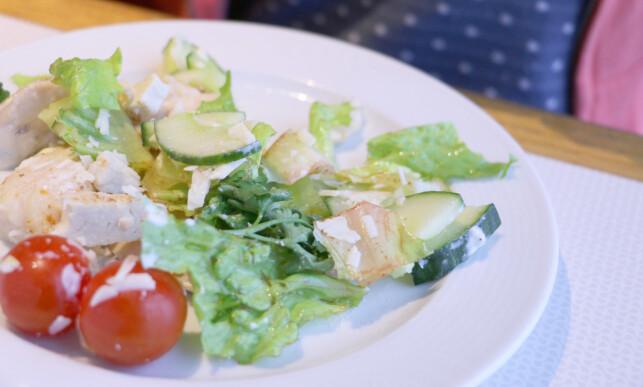 BRUN SALAT: Det verken ser eller smaker veldig bra med brun salat. Foto: Berit B. Njarga