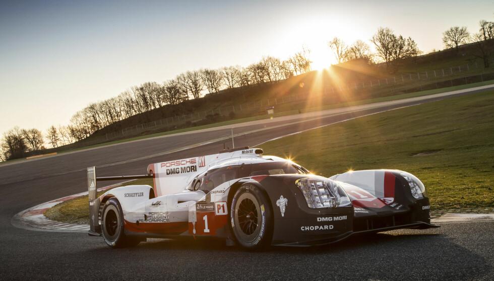 PORSCHE 919 HYBRID EVO: Timo Bernhard kjørte Nürburgring Nordschleife på tiden 5.19,546. Foto: Porsche