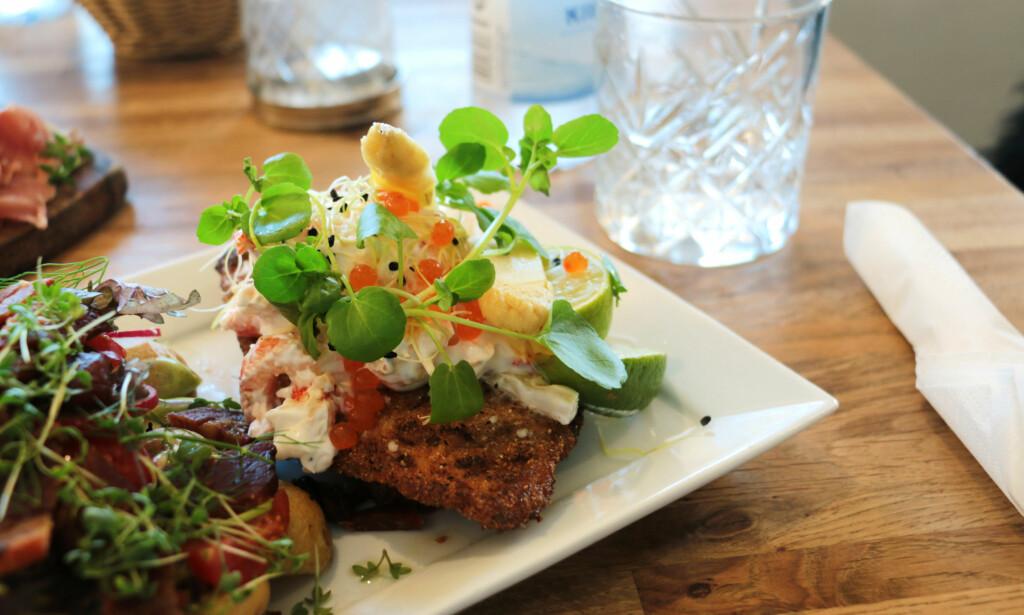 "DANSK MAT: Du får et skikkelig godt, dansk ""smørrebrød"" med rødspette, på Restaurant Lilleheden i Hirtshals. Foto: Berit B. Njarga"