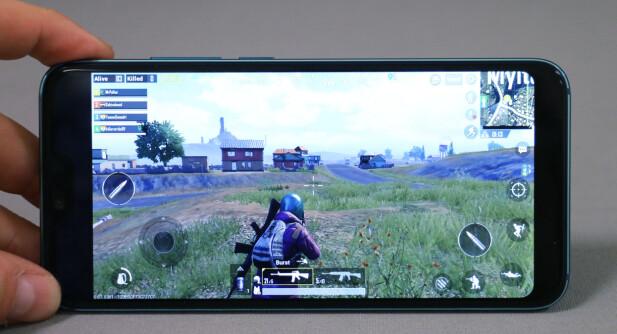 Honor 10 har god nok maskinvare til å spille de nyeste spillene, og bedre skal det bli - med en fremtidig oppdatering. Foto: Pål Joakim Pollen