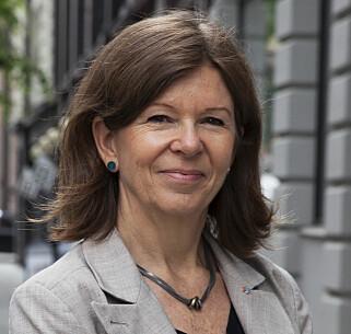 BEDRE ENN FØR: Nordmenn beskytter seg mer mot solen enn før, ifølge Mona Stensrud, spesialrådgiver i Kreftforeningen.