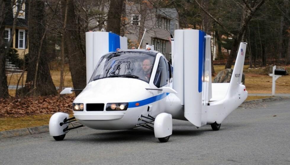 FLY ELLER BIL: Geely, som eier Volvo, har kjøpt Terrafugia, og allerede nå kan du reservere en slik flybil for 80.000 kroner. Foto Terrafugia
