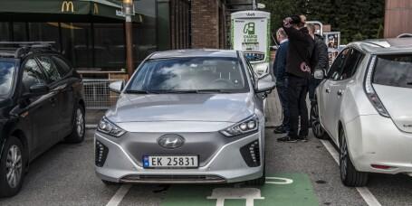 Ny by stikker av med tittelen «Norges elbilhovedstad»